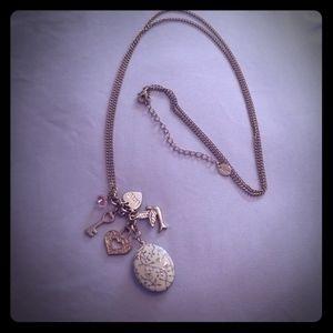Jewelry - ❄3/$25 Cute long faux locket necklace💞
